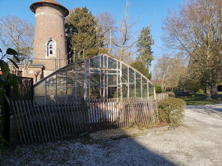 Serre du jardin de l'Hôtel d'Emonville à Abbeville
