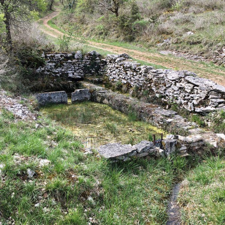 Les fontaines et le lavoir de Saujac