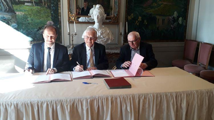Signature de la convention de souscription en faveur du couvent des Rédemptoristines à Riom