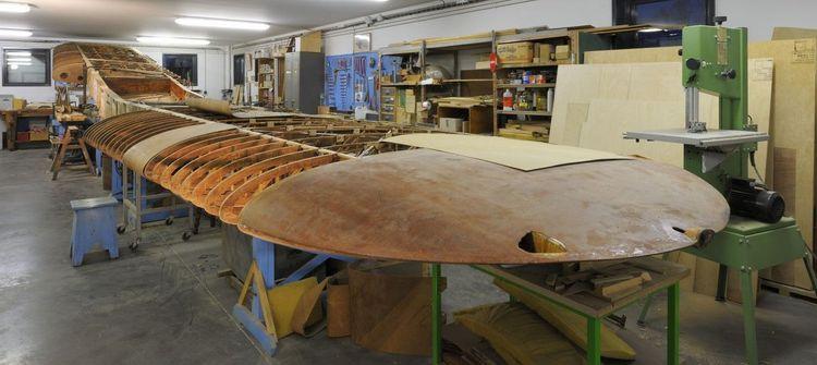 ailes de l'avion en cours de restauration