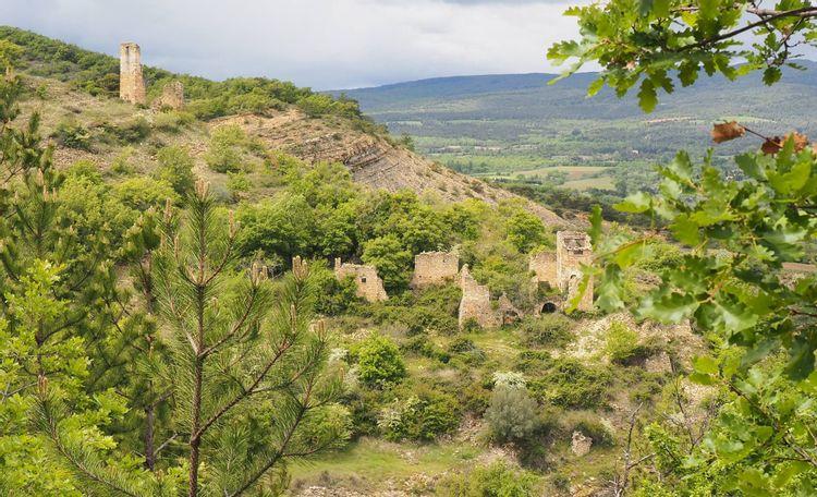 Tour médiévale du vieux village de Montlaux