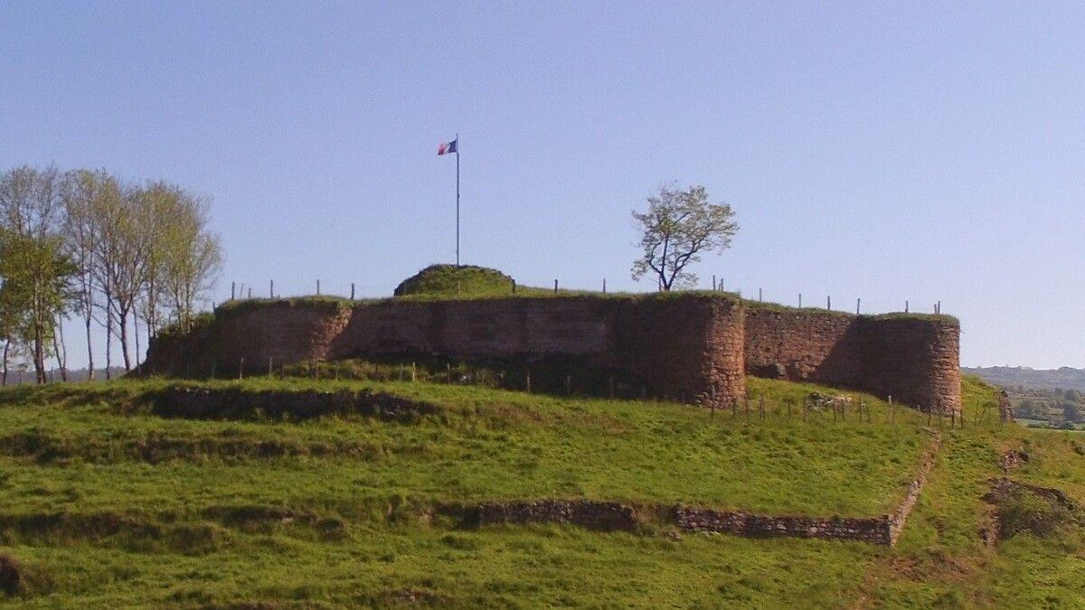 Château de Beaucaire à Nauviale en Aveyron