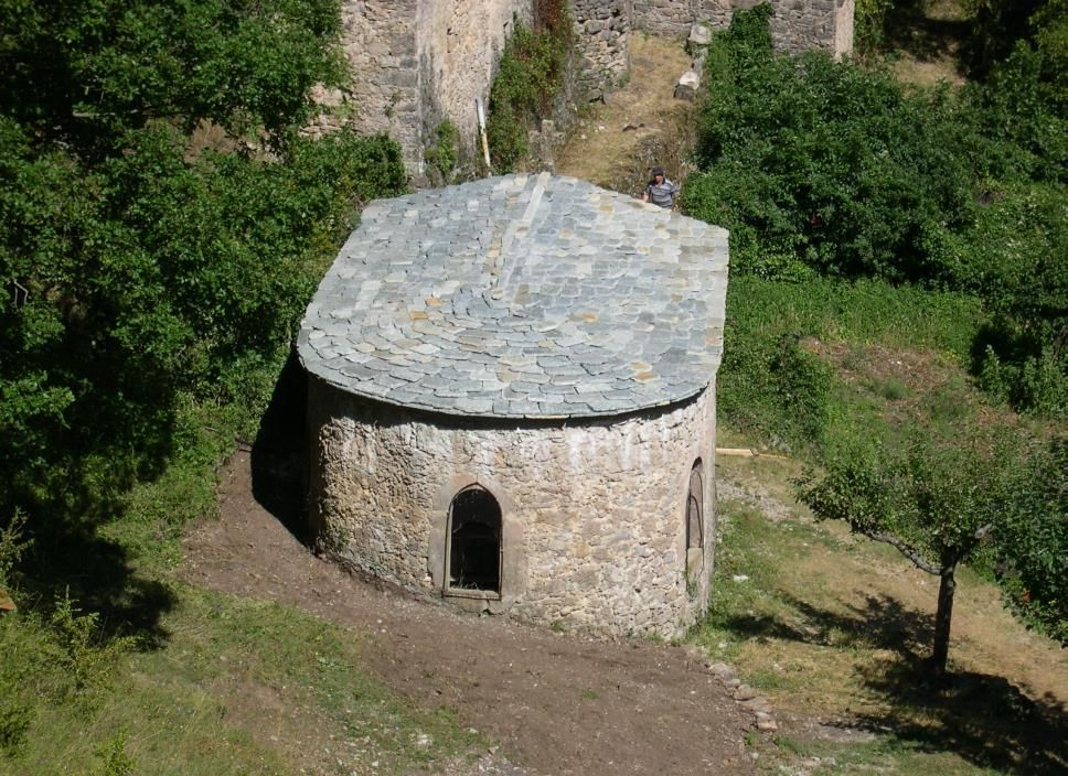 Chapelle Saint-Sulpice et site de l'Aven Noir à Nant