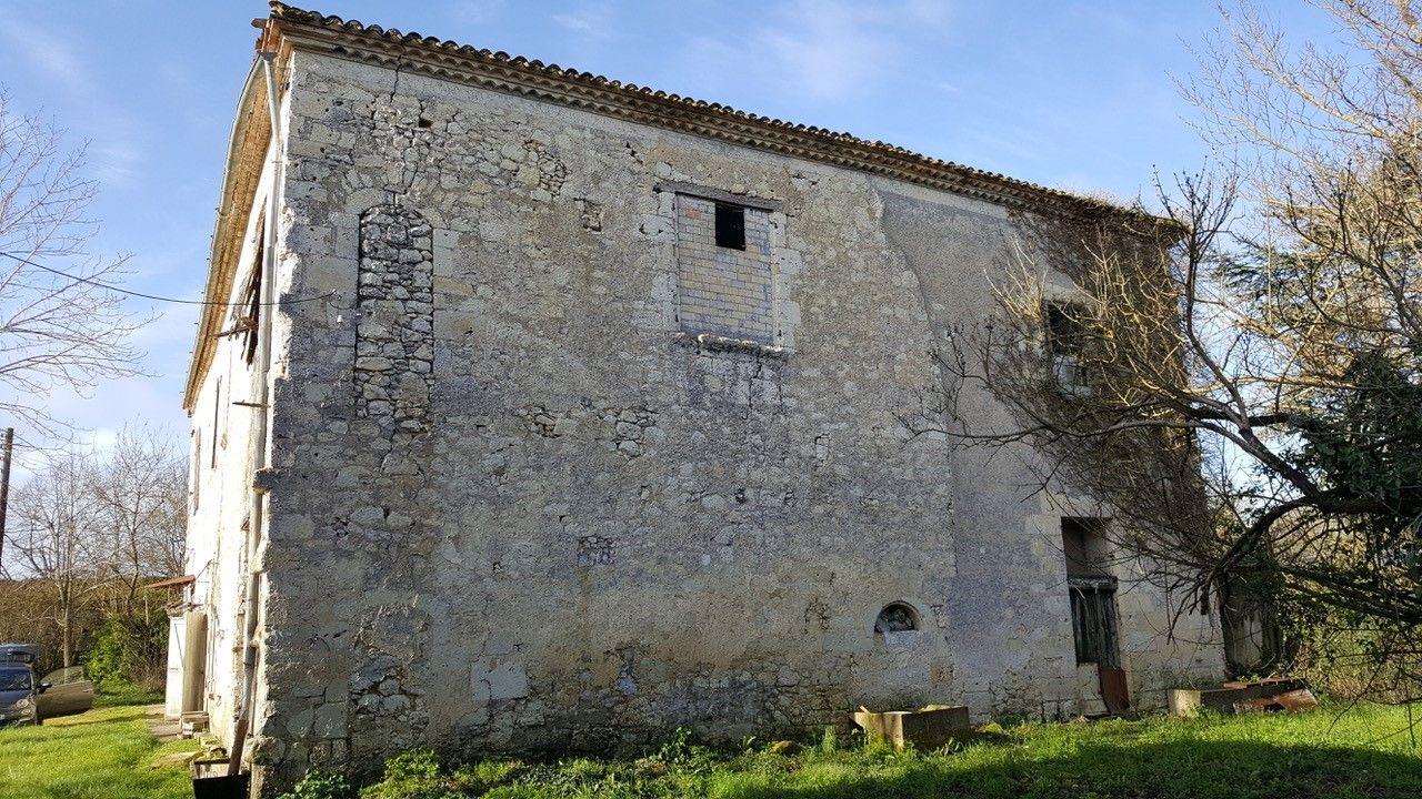 Maison ancienne à La Cassagne à Lectoure dans le Gers