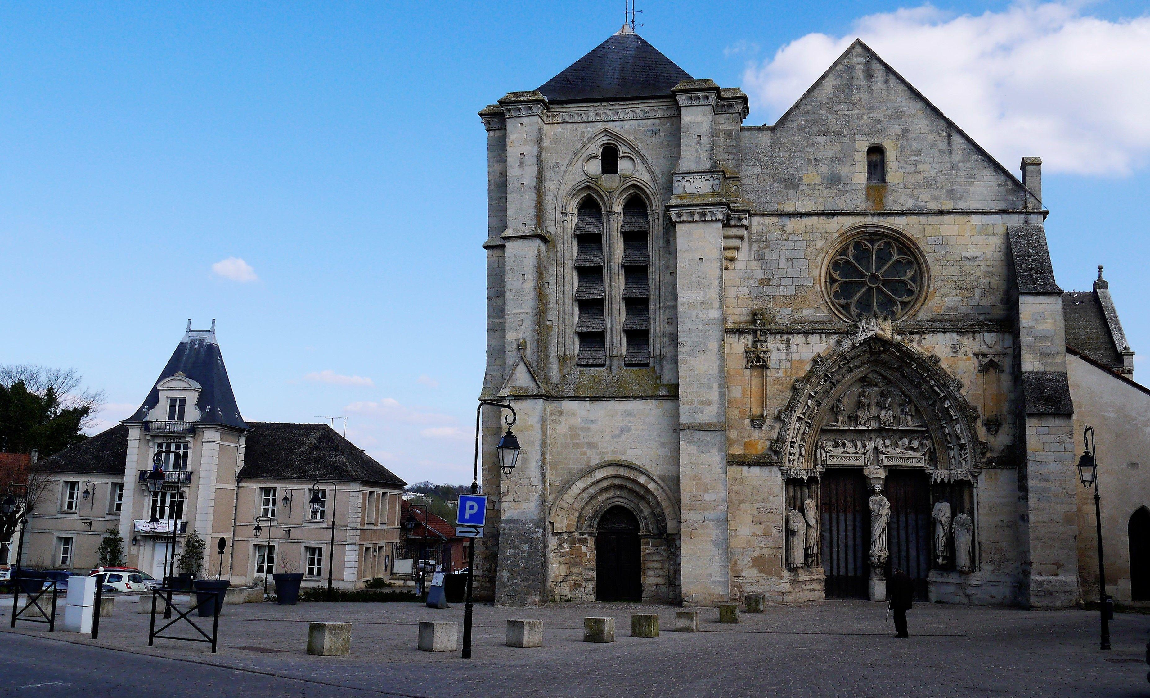 Basilique Notre-Dame de-Bonne-Garde de Longpont-sur-Orge