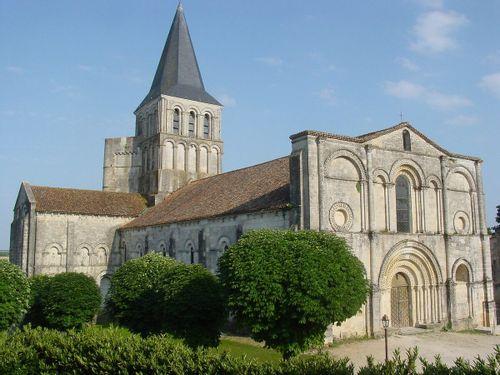 Abbatiale de Saint-Amant-de-Boixe