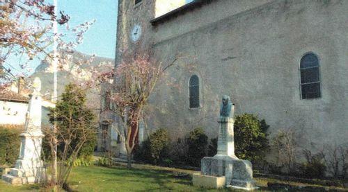 Stèle dédiée à Hippolyte Coste