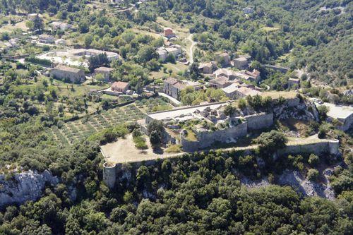 Le château de Banne