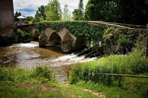 Le pont médiéval de Val-Couesnon
