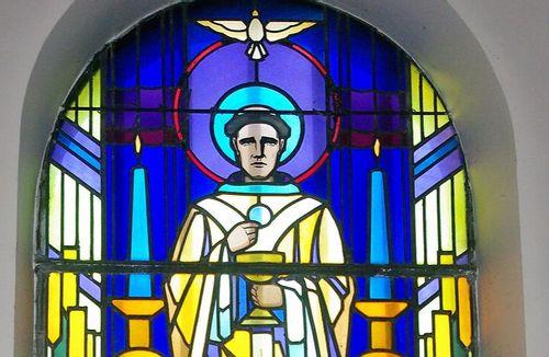 Vitraux Art Déco de la chapelle d'Entrange